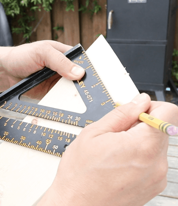 speed square for miter cuts