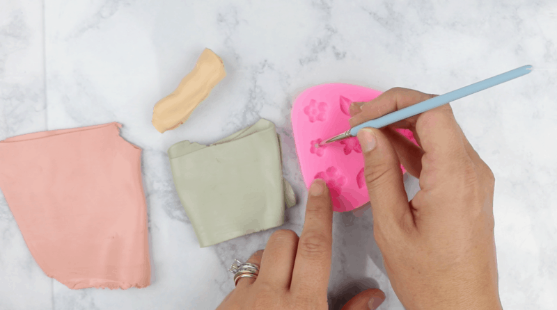 how to use a silicone mold with polymer clay